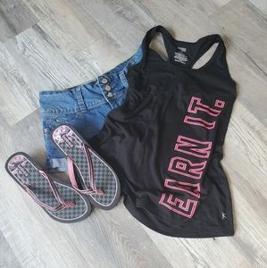 Workout flowy tank. Size medium. Black and pink.